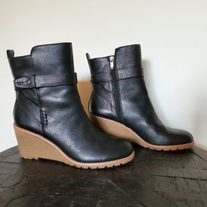 Bass Black Jayden Wedge Booties